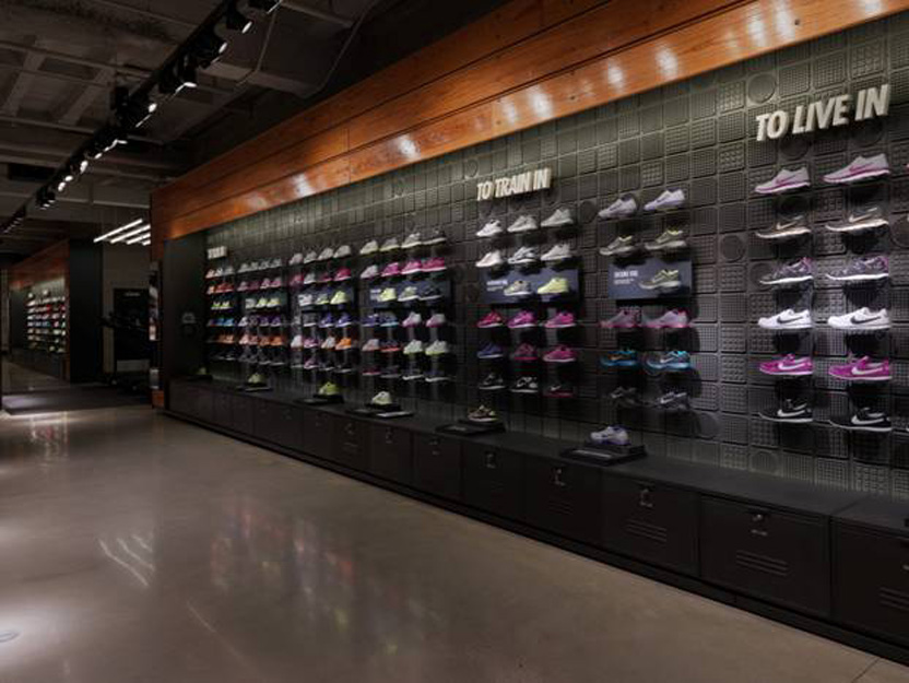 nike store on the magnificent mile